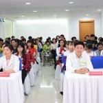 JW Tưng bừng ngày hội Chắp cánh nụ cười gia đình Việt
