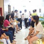 Khách hàng nô nức tham dự ngày hội Chăm sóc răng miệng toàn diện với chuyên JW Hàn Quốc