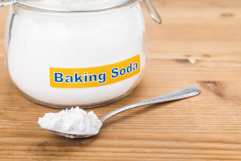 Làm trắng răng bằng Baking soda có hại không