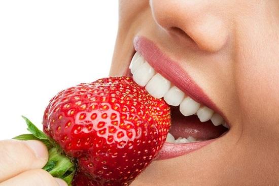 làm trắng răng tự nhiên tại nhà