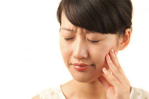 Viêm lợi chảy máu chân răng