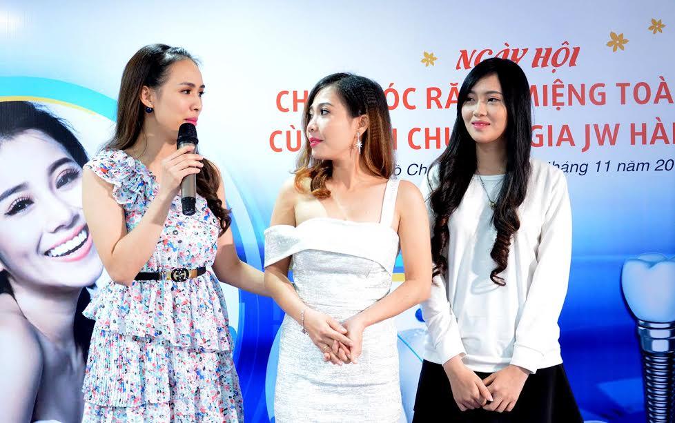 khach-hang-no-nuc-tham-du-ngay-hoi-cham-soc-rang-mieng-toan-dien-voi-chuyen-jw-han-quoc