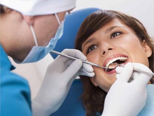 Nhổ răng cấm