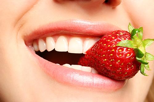 Một số loại thực phẩm giúp hàm răng trắng sáng