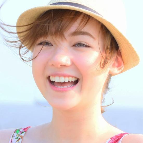 Bọc răng sứ nguyên hàm dùng có bền không