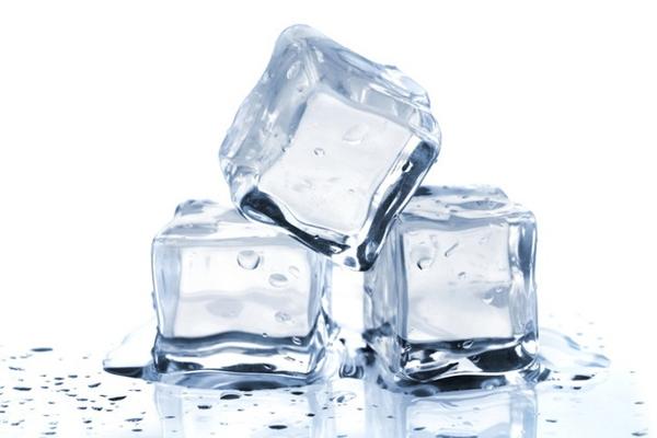 Nước đá có ảnh hưởng gì đến răng miệng hay không