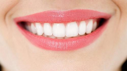 Những thực phẩm tẩy trắng răng an toàn hiện nay