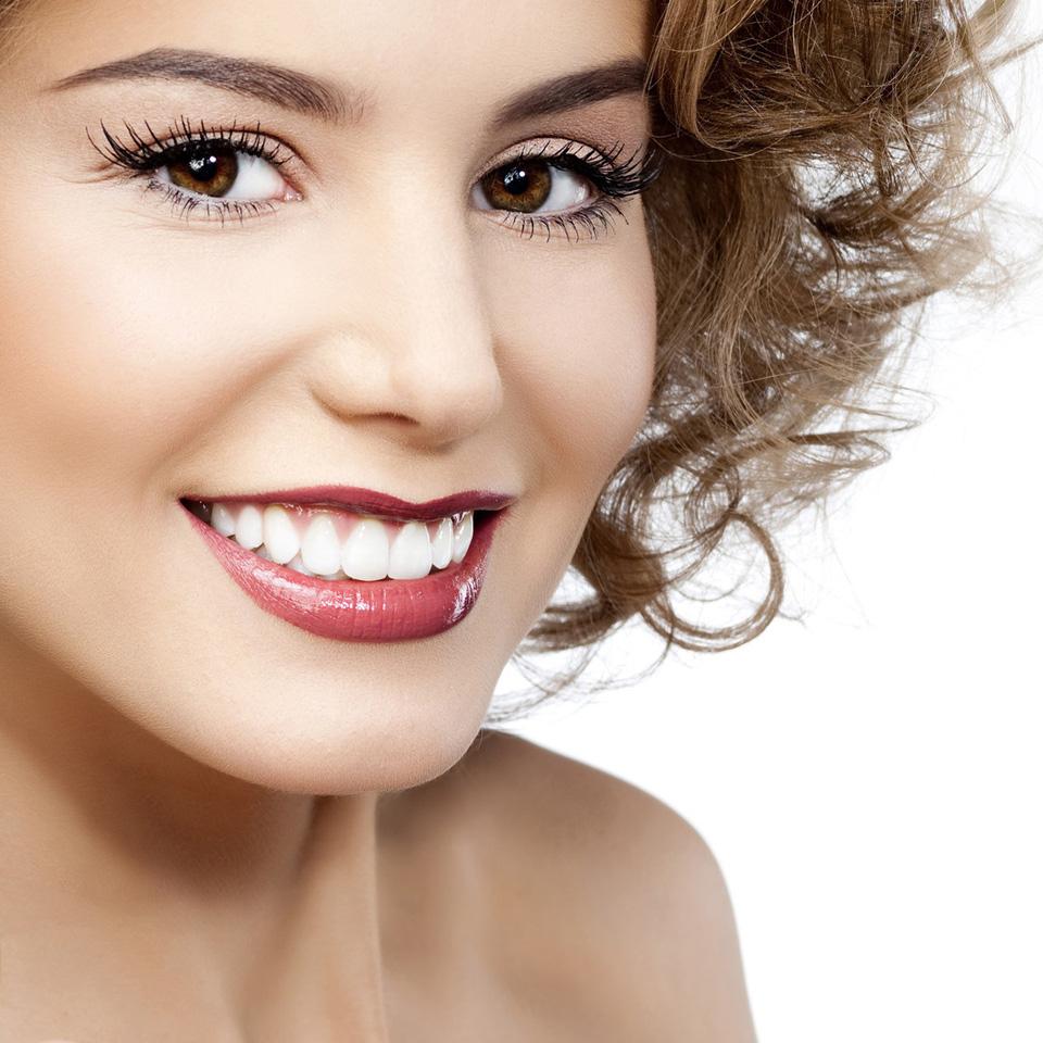 Hướng dẫn cách chăm sóc răng sứ an toàn và hiệu quả