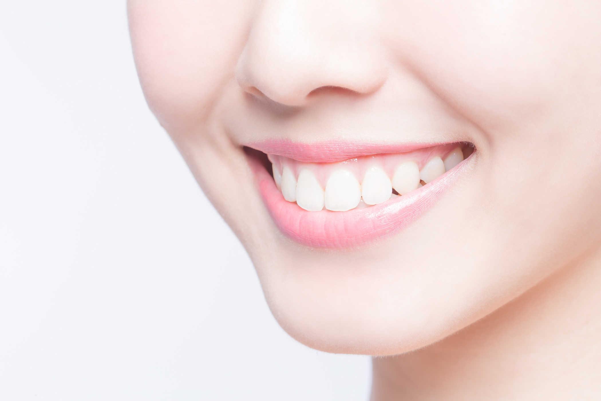 Kết quả hình ảnh cho răng trắng sáng và thu hút ánh nhìn của những người