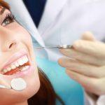 Chảy máu chân răng do đâu và cách điều trị thế nào