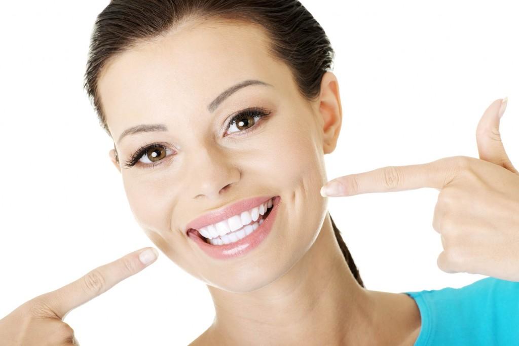 tẩy trắng răng bằng máng