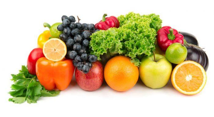 Ăn nhiều rau xanh và trái cây có thể giúp giữ cho răng trắng sáng