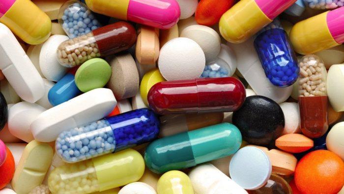 Trẻ nhỏ và phụ nữ mang thai không nên sử dụng quá nhiều thuốc kháng sinh