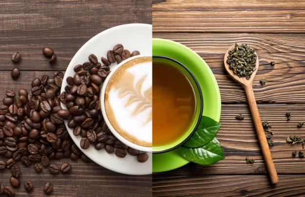 Uống nhiều trà và cà phê sẽ khiến răng bị xĩn màu và mòn đi theo thời gian