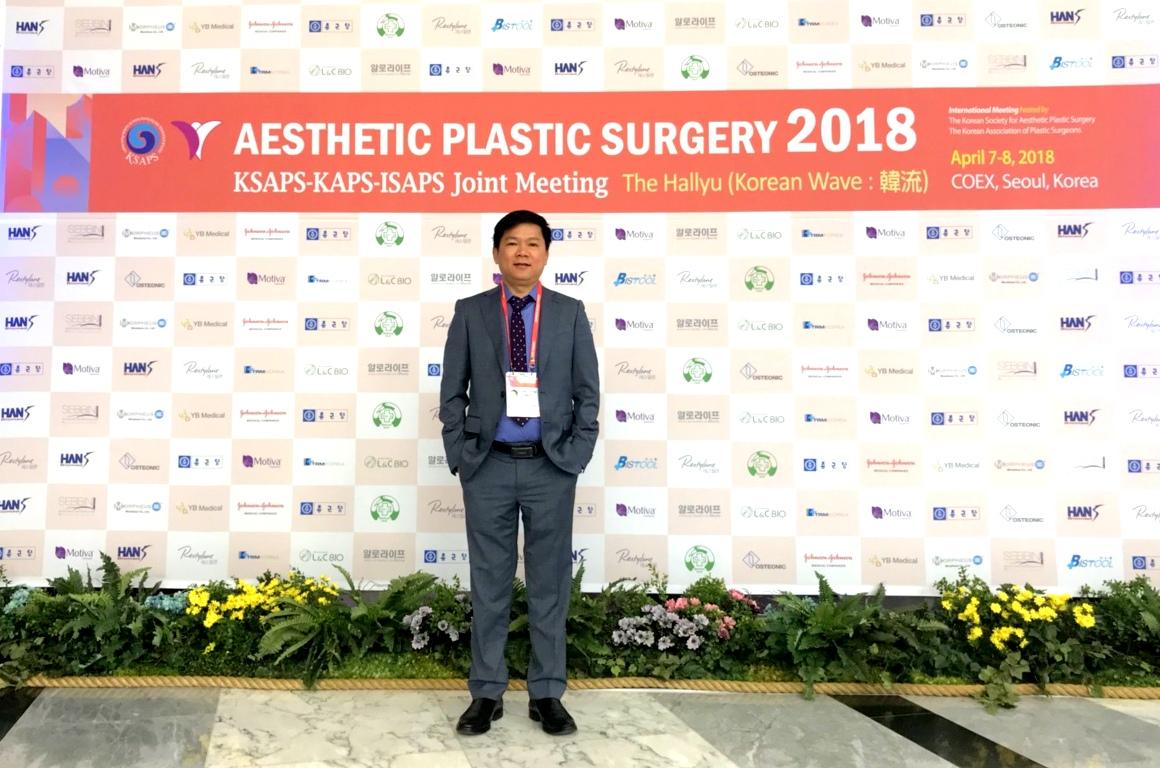 TS.BS Nguyễn Phan Tú Dung là bác sĩ tiên phong tại Việt Nam có mặt tại hội nghị tầm cỡ này