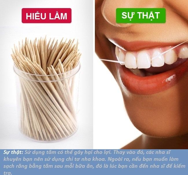Sử dụng chỉ nha khoa thay cho tăm xỉa để đảm bảo làm sạch mảng bám thức ăn thừa trên răng