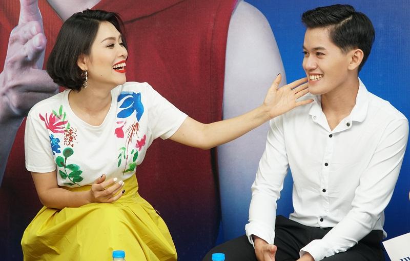 """Nụ cười """"soái ca"""" của Khánh Du đã khiến diễn viên chào thua về nhan sắc"""