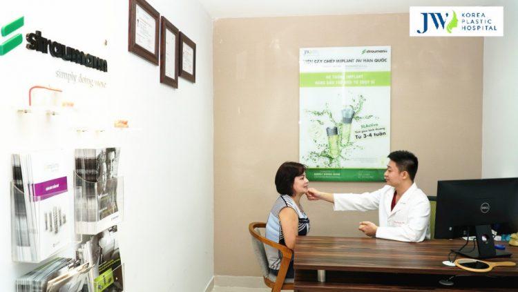 Các bác sĩ có nhiều năm kinh nghiệm trực tiếp thăm khám và tư vấn cho bệnh nhân