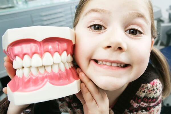 Từ 5-10 tuổi là độ tuổi thích hợp khi niềng răng silicon