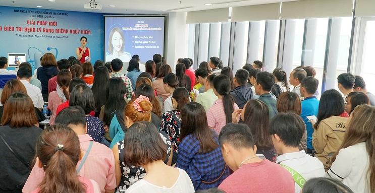 Đông đảo khách hàng tham dự hội thảo