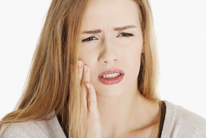 Cấy ghép implant có đau không?