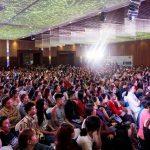 """Gần 2000 khách hàng """"đổ về"""" Đại hội Tỏa sáng cùng Sao 2018"""